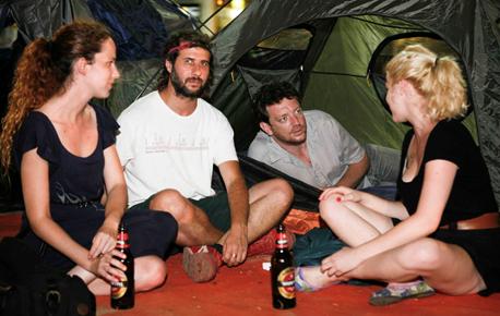 קשה למצוא מצוקה גדולה מזו של אדם שאין לו איפה לגור. ארי ליבסקר באוהל