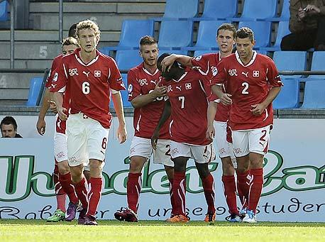 נבחרת שווייץ הצעירה. שחקני הנבחרת הבוגרת שווים 105 מיליון יורו