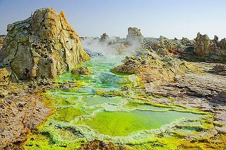 דאלול. אדמות גופרית ובריכות מלח