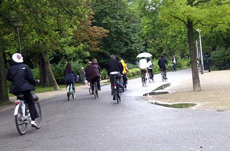 רוכבי אופניים באמסטרדם