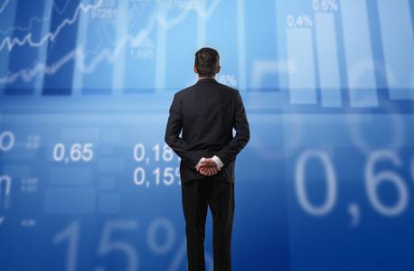 """""""אנשים שבאמת מתמצאים בענייני מיסוי או סיכון חושבים שהם גם יכולים לבחור מניות - והם כנראה לא יכולים"""""""