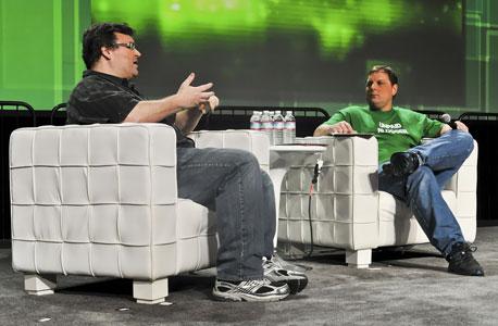 """ארינגטון (מימין) וריד הופמן. """"יאהו לא בנתה אסטרטגיה יציבה"""", צילום: cc by TechCrunch"""