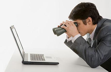 מציצים לכם למייל, צילום: Shutterstock