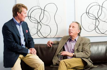 מימין: מארק כהן וברייס ארווד. משרד וירטואלי