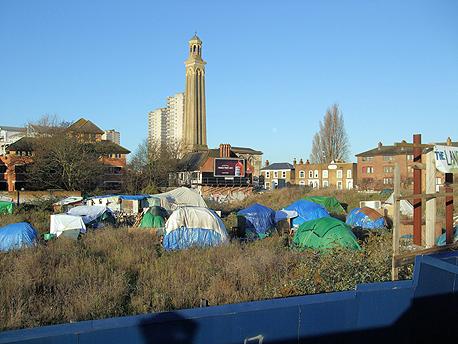 הכפר האקולוגי שהוקם בשולי לונדון, ושגם תושביו חיו ללא כסף, עד לפינויו