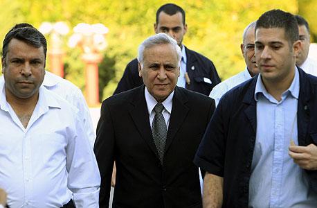 """ועדת השחרורים דחתה את בקשת קצב לשחרור מוקדם: """"קיצור עונשו יפגע באמון הציבור"""""""