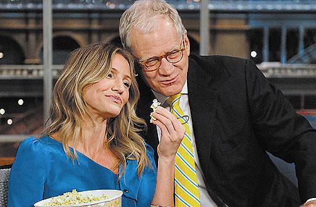 """""""Late Show with David Letterman"""". אורחת: קמרון דיאז. איפה: מנהטן, ניו יורק"""
