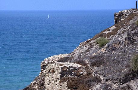 מצוק בחוף בהרצליה