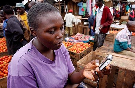 האמריקאים מגלים רק עכשיו את הארנק הסלולרי, אבל באפריקה התחום כבר משגשג