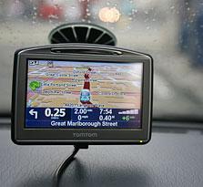 הופך לחלק מהנוף, ולחלק מכלי החקירה. GPS