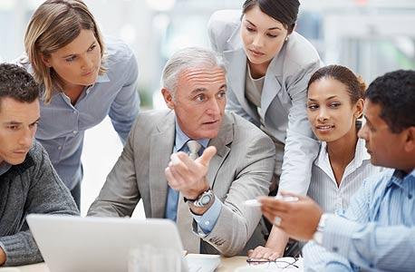 5 דברים שמבזבזים לכם את הזמן בעבודה