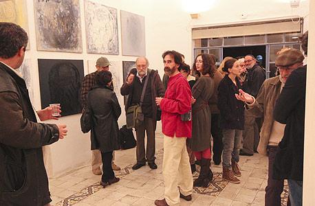 """אגריפס 12, ירושלים. עכשיו בגלריה: """"הצד האפל"""", תערוכה קבוצתית"""