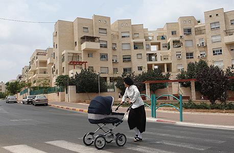 """בעקבות עתירת הקבלנים: ביהמ""""ש המחוזי עצר מכרז לבניית גני ילדים בעיר אלעד"""