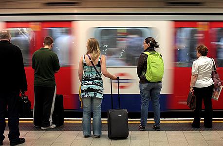הרכבת התחתית בלונדון , צילום: בלומברג