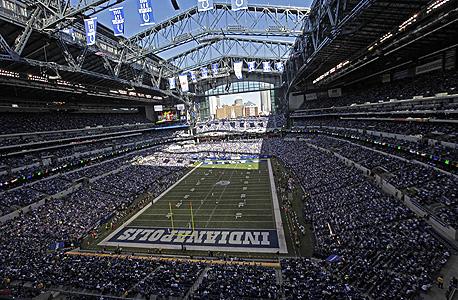 האצטדיון באידנאנפוליס. דווקא דוגמה טובה למיתוג העיר מחדש, צילום: איי פי