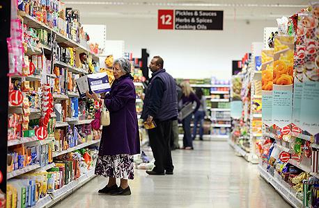 """ארה""""ב: מדד אמון הצרכנים ירד לרמה הנמוכה ביותר זה שנה"""