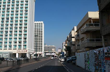 """רחוב הירקון בתל אביב. """"דירה ברחוב מניבה כ-5,000 דולר בחודש"""""""
