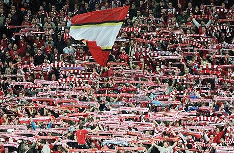 באיירן מינכן. גוף בבעלות של 130 אלף חברי מועדון שמשלמים 40 יורו בשנה כל אחד