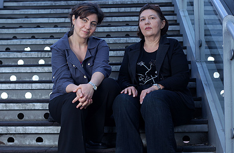 """פסחוב (משמאל) וגרצביין. """"אמרו לנו שאסור לדבר איתה כי היא צריכה לנוח. עניתי: 'אתם לא רואים שזה שקר?'"""""""