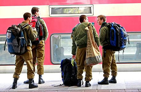 החיילים ימשיכו לסבול, צילום: צביקה טישלר