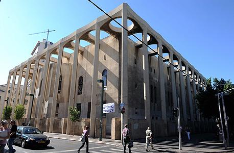 """אלנבי. """"נהפוך את בית הכנסת הגדול למוקד עלייה לרגל של יהודים ותיירים מכל העולם"""", צילום: יובל חן"""