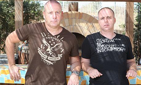 גלעד (מימין) ורונן קצב. עסק משפחתי