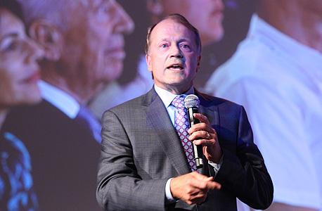 """מנכ""""ל סיסקו העולמית ג'ון צ'יימברס. קיצוץ ב־20% ממצבת כוח האדם"""