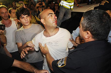 עימותים מול השוטרים, צילום: ירון ברנר, ynet