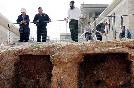 """בלעדי ל""""כלכליסט"""" - בקרוב בי-ם: קבורה בקומות במנהרות שייחפרו מתחת לאדמה"""