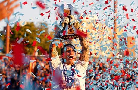 ארסנל חוגגת אליפות ארגנטינה. הדבר הטוב היחיד בליגה הארגנטינאית המוחלשת הוא שקבוצות קטנות זוכות באליפויות, צילום: רויטרס