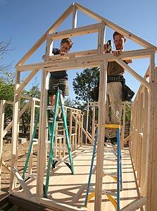 שייפר ובנו בונים בית זעיר