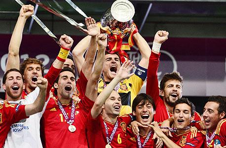 שחקנים של נבחרת ספרד. תוצר של סקס בין רעיונות