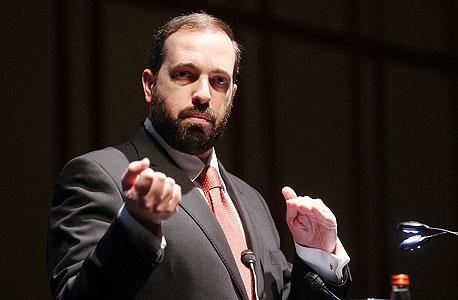 שר השיכון, אריאל אטיאס