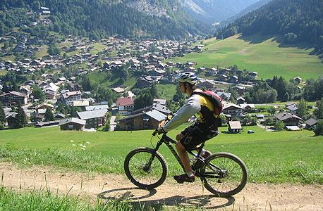רוכב אופניים במורזין, צרפת