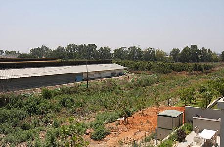 """שטח נדל""""ן מדרום ליד חנה המיועד לאזור תעשייה"""