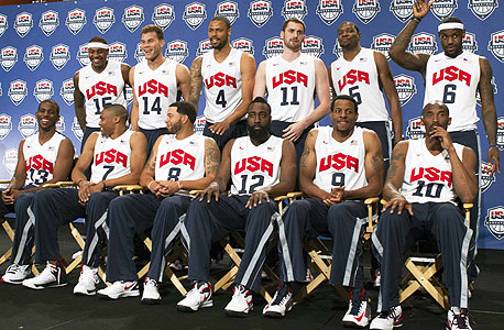 """נבחרת ארה""""ב. כולם חתומים על הסכם עם נייקי חוץ משחקן אחד שגם הוא נועל נייקי, צילום: רויטרס"""