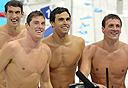 לוכטה ופלפס עם חבריהם לנבחרת השחייה האמריקאית. כוכבי טלוויזיה, צילום: אם סי טי