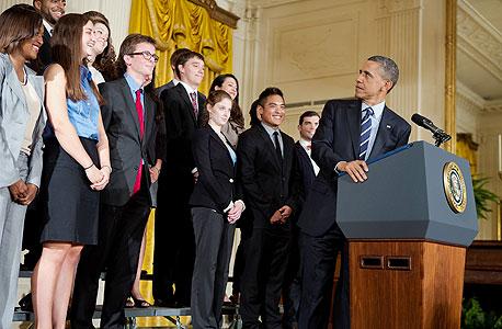 הנשיא ברק אובמה עם סטודנטים בבית הלבן, צילום: בלומברג