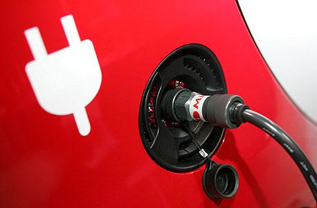 רכבים בטעינה חשמלית יקבלו הנחה של 1,000 שקל מזקיפות השכר החודשי, צילום: אוראל כהן