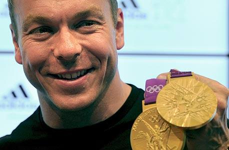 כמה צריך להשקיע במדליה?