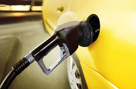 תחנת דלק. המיסוי על הדלק צמח ב-10% בארבע השנים האחרונות, צילום: שאטרסטוק