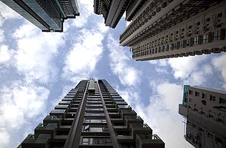הונג קונג. זינוק של 98.9%