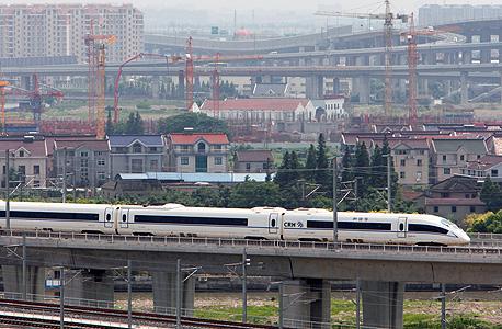 סין השיקה את מסילת הרכבת-המהירה הארוכה בעולם
