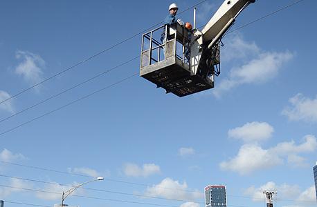 למרות ההפסדים: עלות שכר של עובד בחברת החשמל קפצה ב-18%