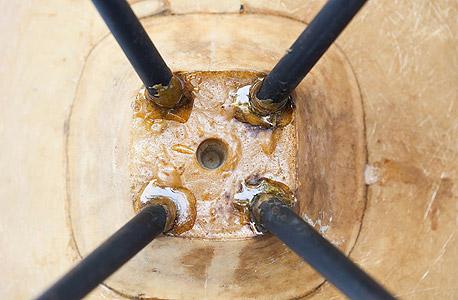 מוסף באז באזז מלאכת יד אורי ברטל שיפוצים, צילום: תומי הרפז