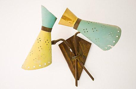 מנורות שנרכשו בשוק הפשפשים