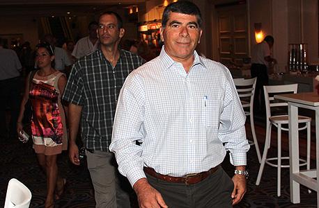 """פרשת השחיתות בנמל אשדוד: גבי אשכנזי, יו""""ר שמן לשעבר, מסר עדות במשטרה"""