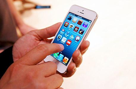 אייפון 5 החדש, שהושק בשבוע שעבר, צילום: Scott Schaen
