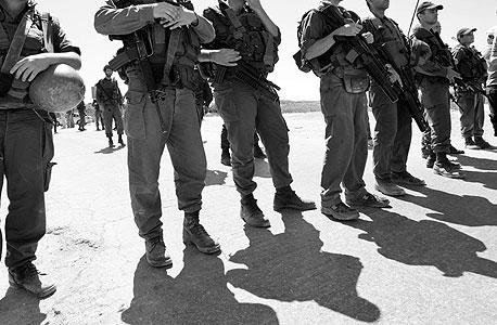 """חיילי צה""""ל. את הפעילות שלהם לא ניתן להסתיר מהפלסטינים שבשטח"""