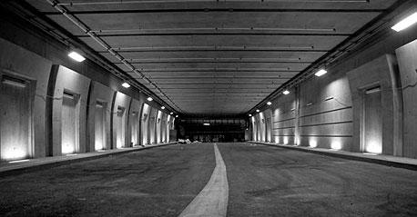 דרך תת קרקעית מתחת למתחם שרונה